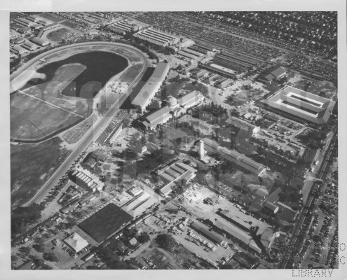 An aerial photo from 1930 of the old Sacramento Mile, which first hosted an FAM National in 1914 and then held AMA Grand Nationals until 1970. (Sacramento Room Photograph Collection)